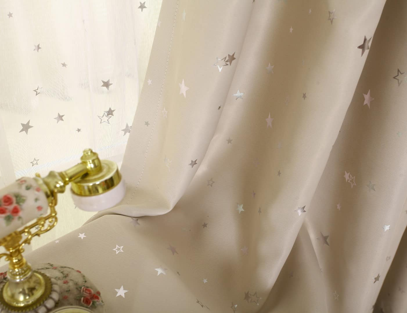 Kinderkamer Gordijnen Sterren : Ster gordijnen lichtgrijs leuke kindergordijnen
